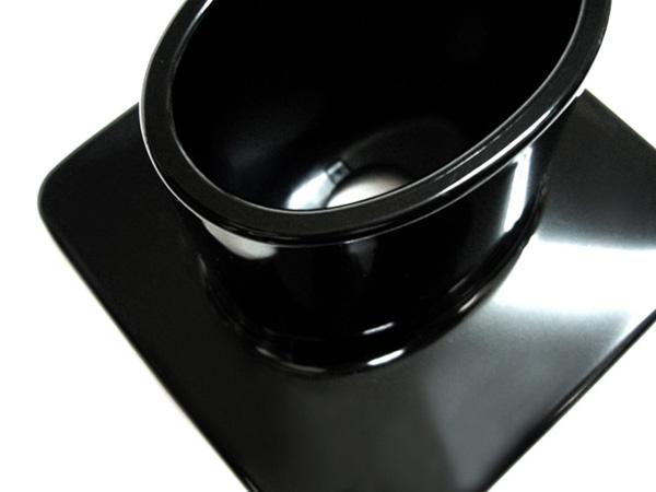 ピアノブラック 樹脂製品に塗装
